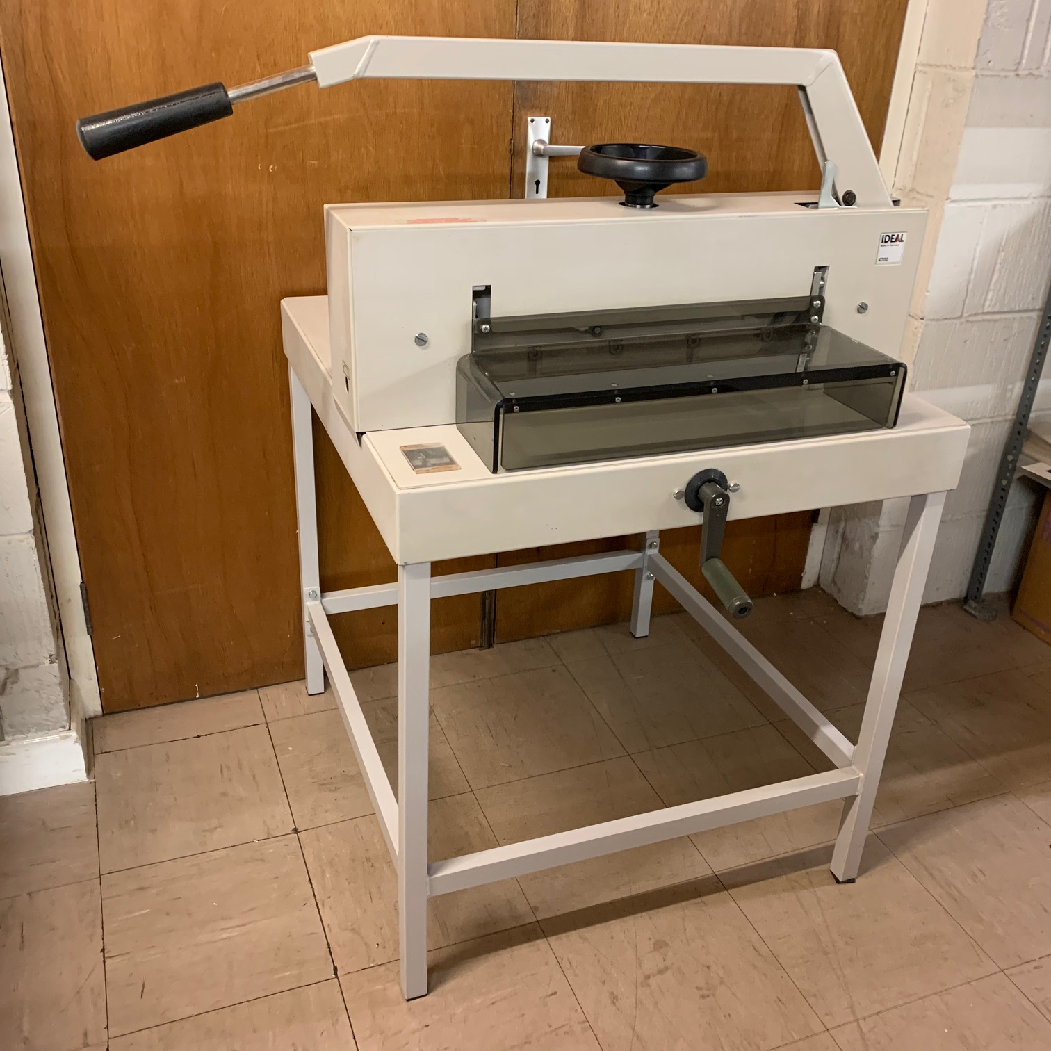 Used IDEAL 4700 Manual Desktop Paper Guillotine