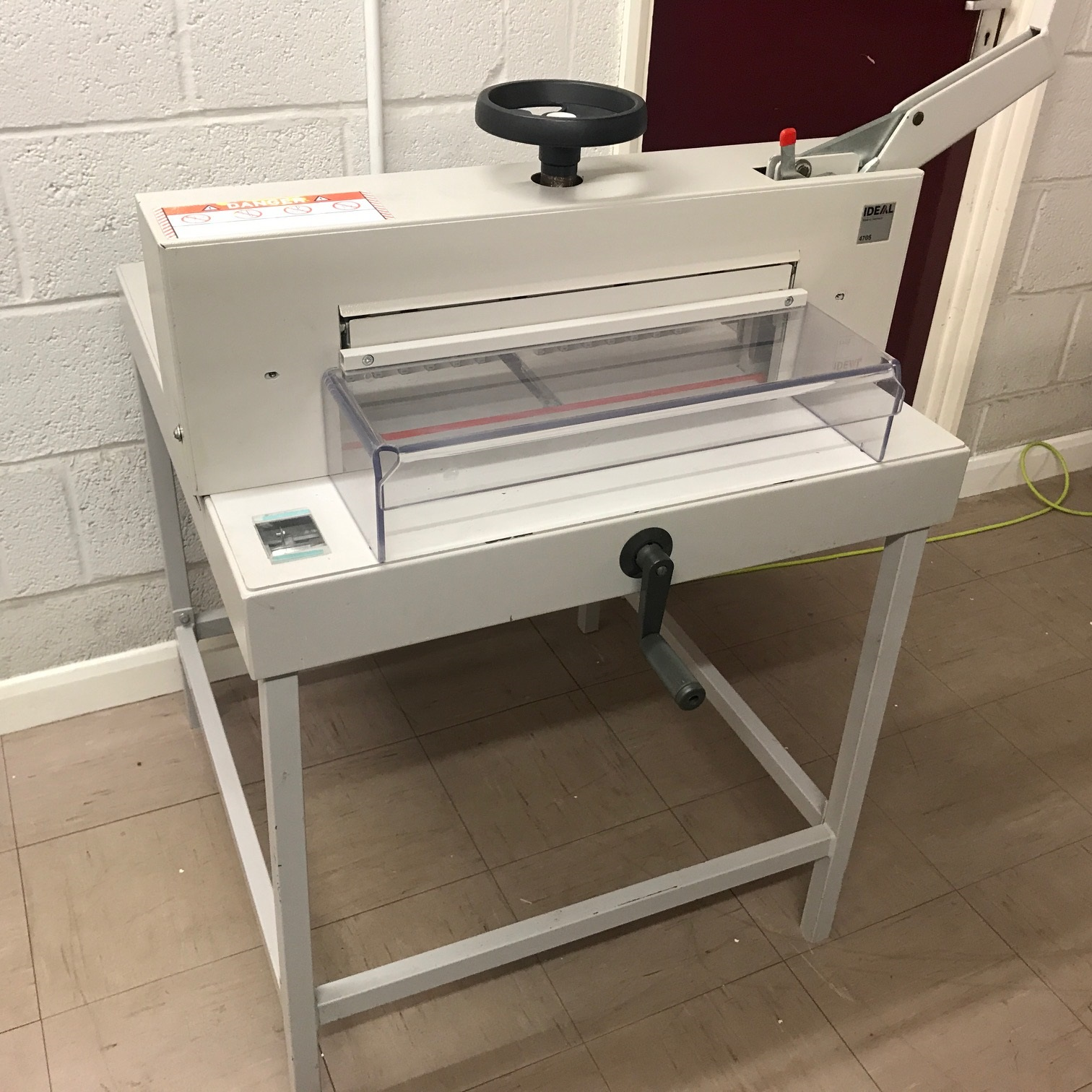Used IDEAL 4705 Manual Table-Top Guillotine