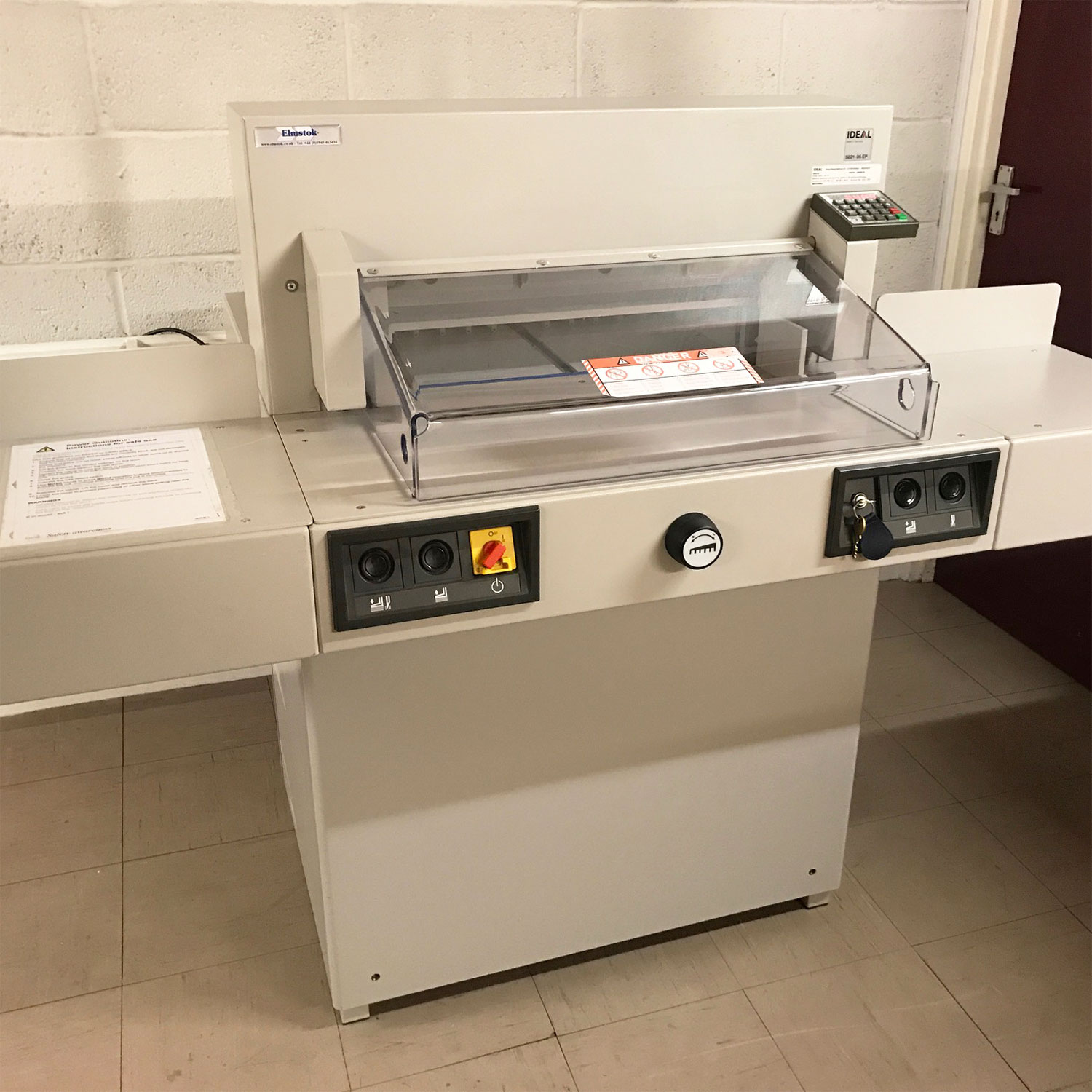 Pre-owned IDEAL 5221-95EP Program Guillotine Incl. Side-Tables