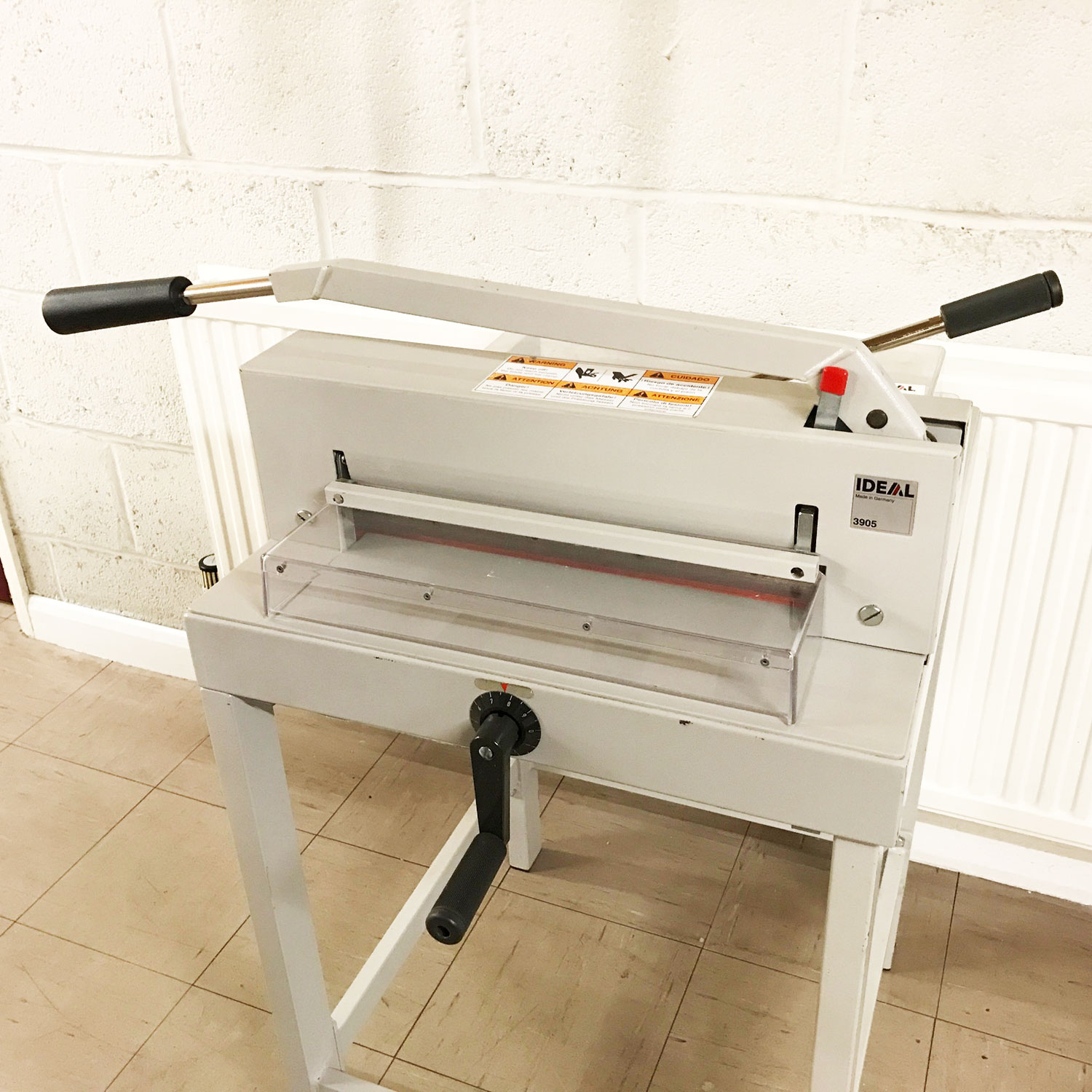 Pre-owned IDEAL 3905 Manual Guillotine
